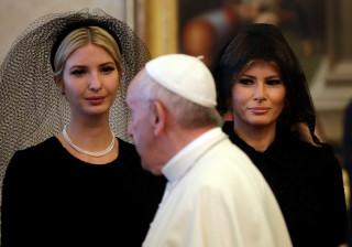 Eis porque Melania usou véu para visitar o Papa e não na Arábia Saudita