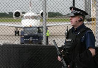Manchester: Jornalista brasileiro retido no aeroporto por causa de livro