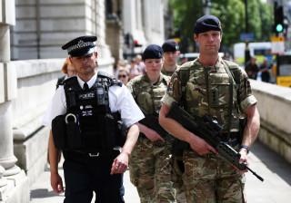 MI5 encontra nova bomba em Manchester e teme existência de mais