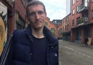 Sem-abrigo ajudou vítimas de Manchester. Agora foi-lhe oferecida casa