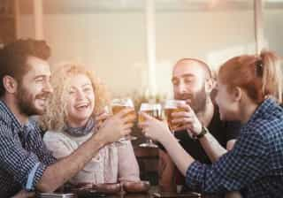 O efeito do álcool varia mesmo do dia para a noite