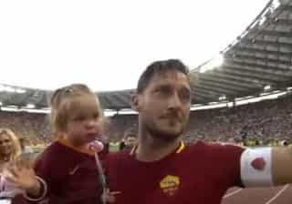 As lágrimas de Totti no adeus ao futebol