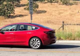 Ansioso pelo novo Tesla? Aqui tem novas imagens do carro