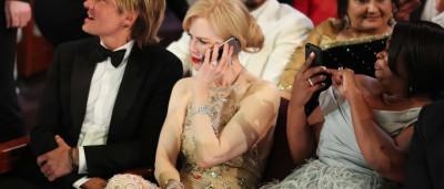 O estranho aplauso de Nicole Kidman que está a deixar a internet 'louca'