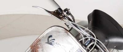 A Vespa mais antiga do mundo está à venda. Se a quiser, despache-se