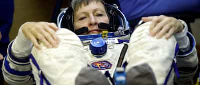 Peggy bate recorde e é a americana com mais tempo de sempre no Espaço