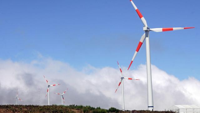 BAD dá um milhão de dólares a Angola para investimentos em renováveis
