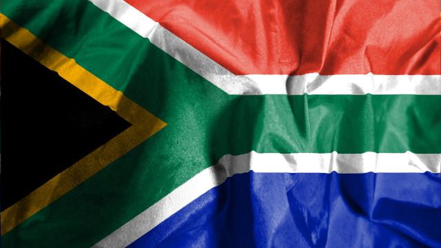 Escola primária acusada de segregação racial na África do Sul