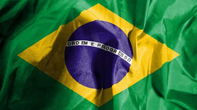 Economia brasileira continua recuperação e PIB aumenta para 2,4%
