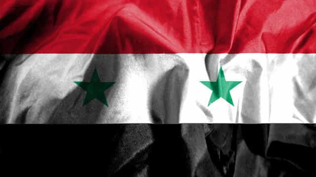 Televisão estatal noticia que base aérea na Síria está sob ataque