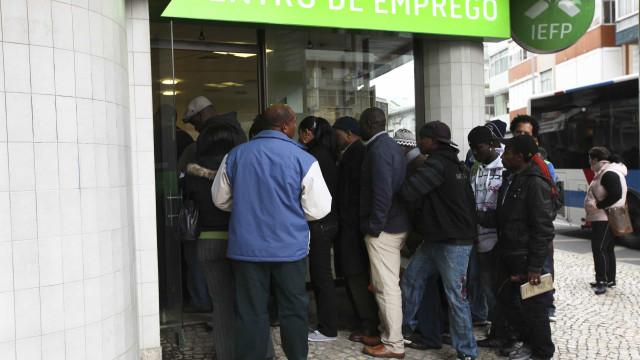 Número de desempregados inscritos nos centros de emprego caiu 16,8%