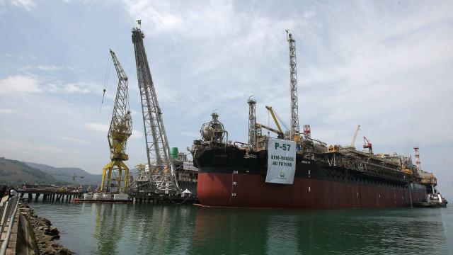 Leilão de blocos de petróleo começou após invalidada decisão judicial