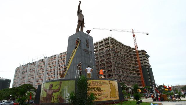 Polícia angolana trava manifestação na Praça da Independência