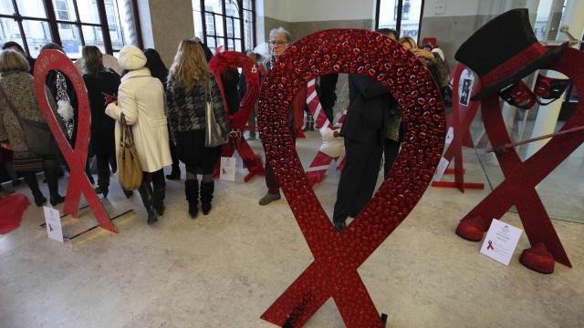 Investigadores criam novo método para proteger mulheres do VIH