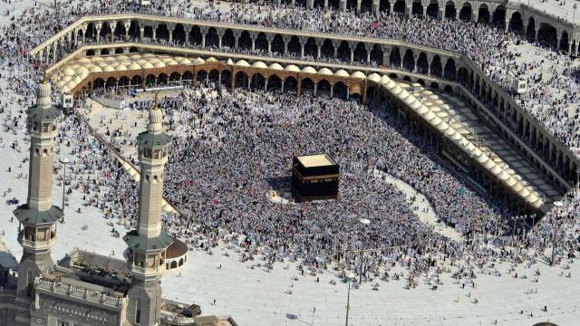 Míssil balístico lançado do Iémen intercetado perto de Meca