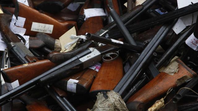 Armas apreendidas a suspeito de violência doméstica em Braga