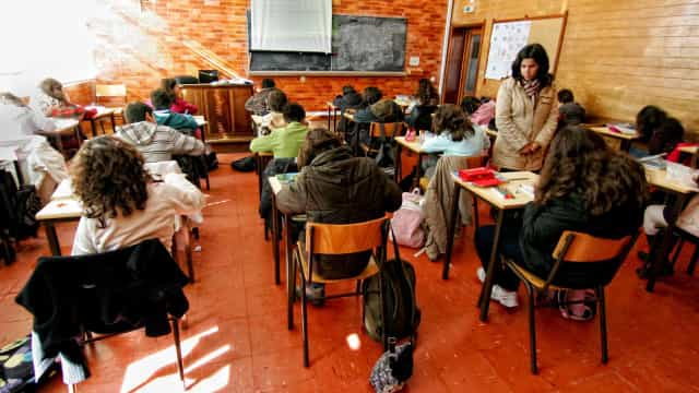 Exame Português: Ministério Público investiga alegada fuga de informação