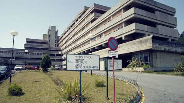 Hospital de Viana não pediu a empregados de limpeza para serem auxiliares