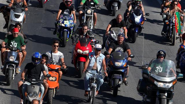 Parlamento propõe que motociclos paguem metade da portagem da classe 1
