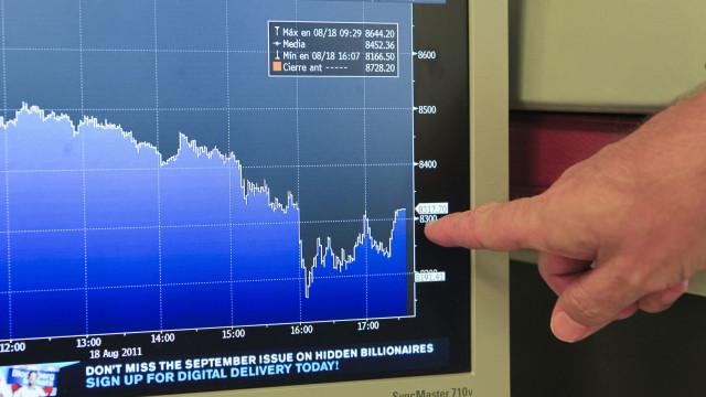 Juros da dívida de Portugal sobem a dois anos e caem a cinco e dez anos