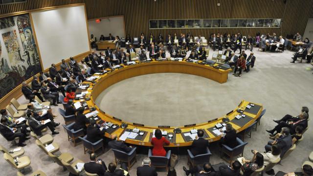 EUA e Rússia preparam resoluções opostas sobre Venezuela