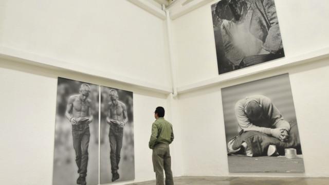 Morreu o pintor e fotógrafo Darío Villalba aos 79 anos