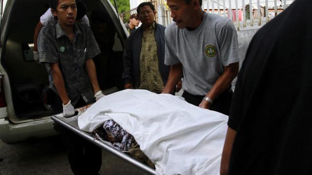 Acidente com autocarro em Java faz pelo menos 27 mortos