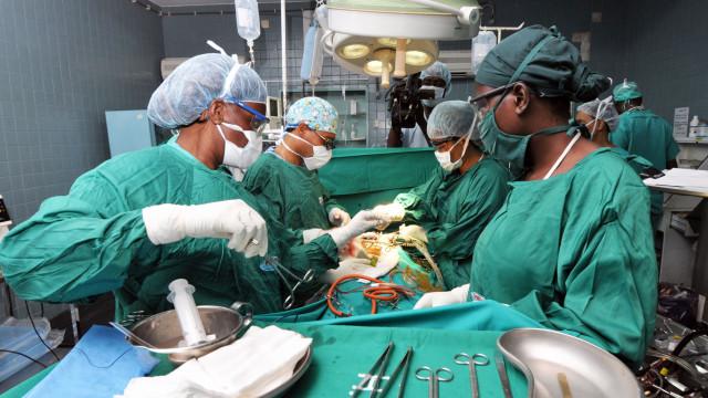 SNS 24 vai ajudar doentes a escolherem hospital e a marcarem cirurgia