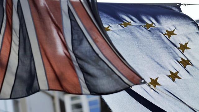 Novo estatuto de residente beneficia portugueses não elegíveis