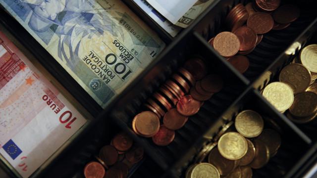 Portugueses ainda têm mais de 96 milhões de euros em notas de escudo