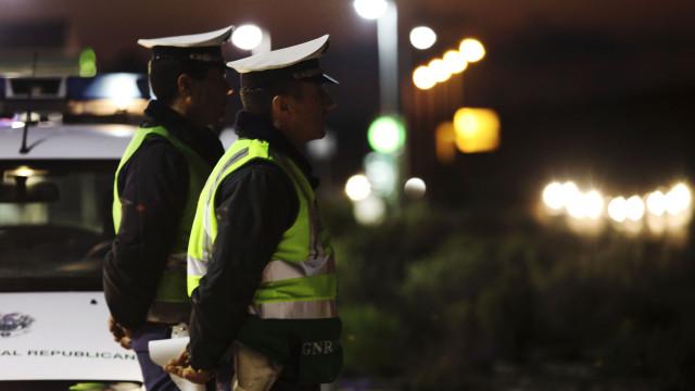 Três homens detidos por violência doméstica no distrito do Porto