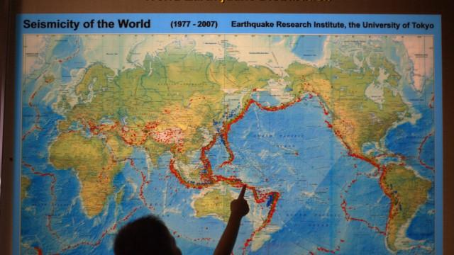 Pelo menos 10 mortos e 40 feridos em sismo na Indonésia