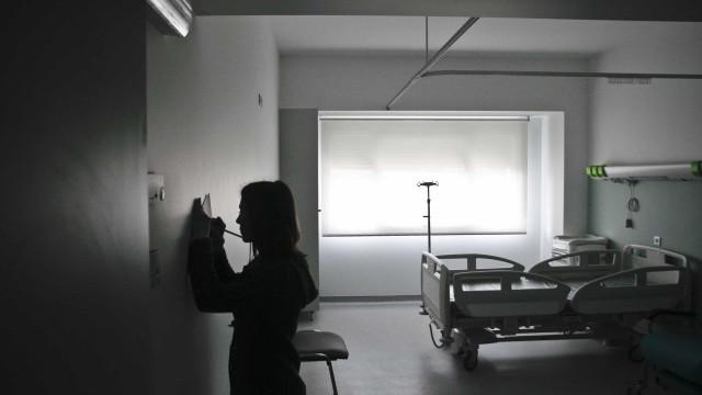 Mais de 20 hospitais do SNS vão ter doentes internados em casa