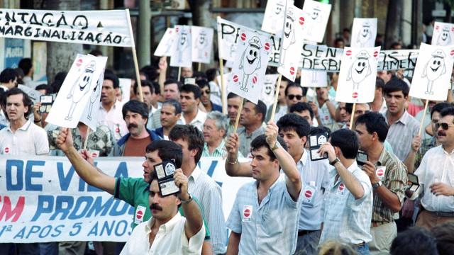 Polícias saem à rua em protesto contra falta de respostas do Governo