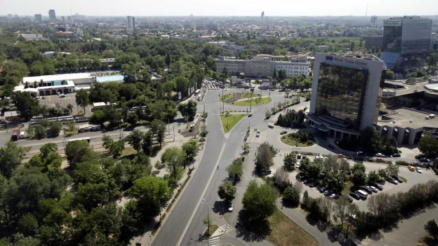 Doze anos após a adesão, romenos olham para a UE como tábua de salvação