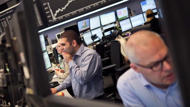 Bolsas europeias maioritariamente em alta à espera do Eurogrupo