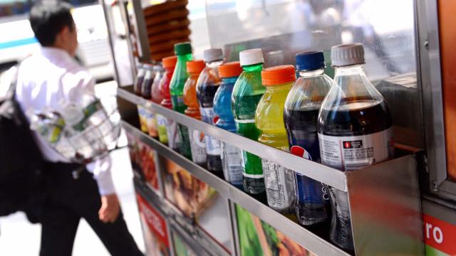 Parlamento aprova novo imposto sobre refrigerantes a partir de fevereiro