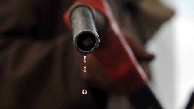 Governo moçambicano acusa gasolineiras de venda de combustível adulterado