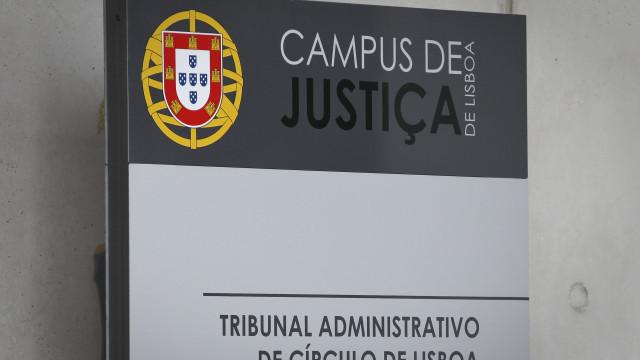 """Oliveira Costa e Arlindo Carvalho """"brincaram com o dinheiro dos cidadãos"""""""