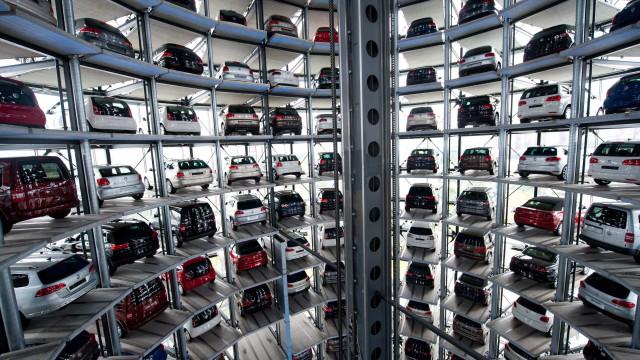 """Comércio e setor automóvel """"apreensivos"""" com impacto em Portugal"""