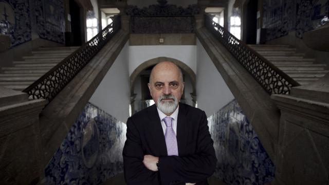 Ex-autarca Mesquita Machado começa a ser julgado por abuso de poder