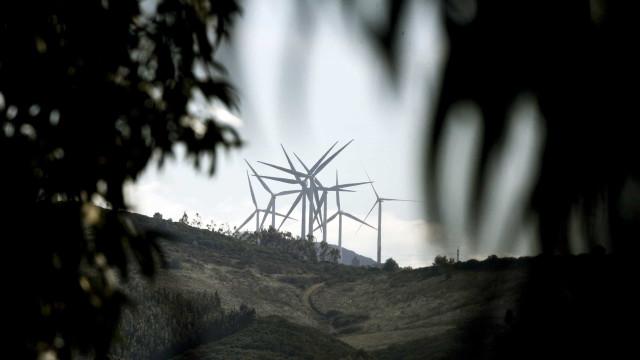 Presidente do Quénia inaugura maior parque eólico de África