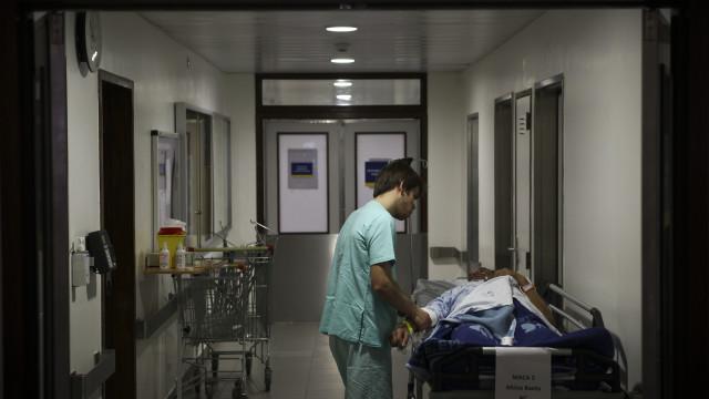 Mais de sete em 10 enfermeiros julgam sofrer de ansiedade e insónia