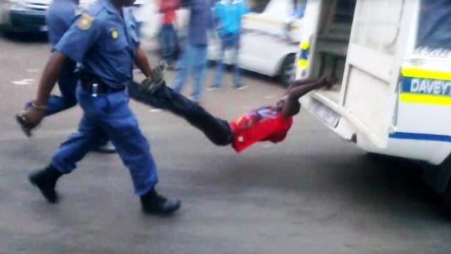 Polícia sul-africana obrigada a indemnizar família de taxista moçambicano
