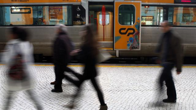 CP vai alugar quatro comboios a diesel à Renfe, que chegarão em 2019