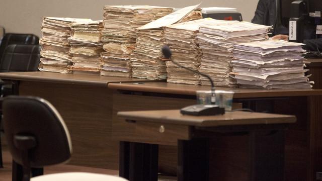 Juízes da Relação do Porto sobrecarregados com 10 a 12 processos por mês