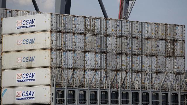 Navio dos EUA com 70 mil toneladas de soja atraca por fim na China