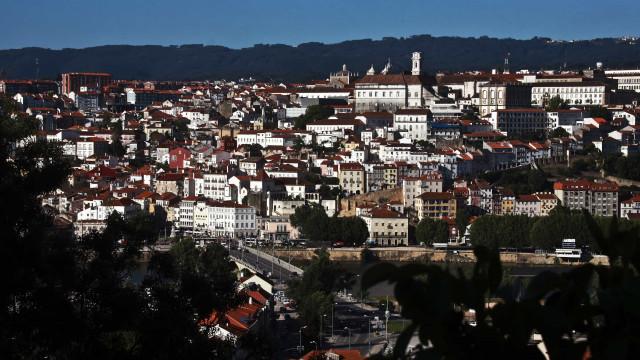 Universitários brasileiros com apoio por igualdade de direitos em Coimbra