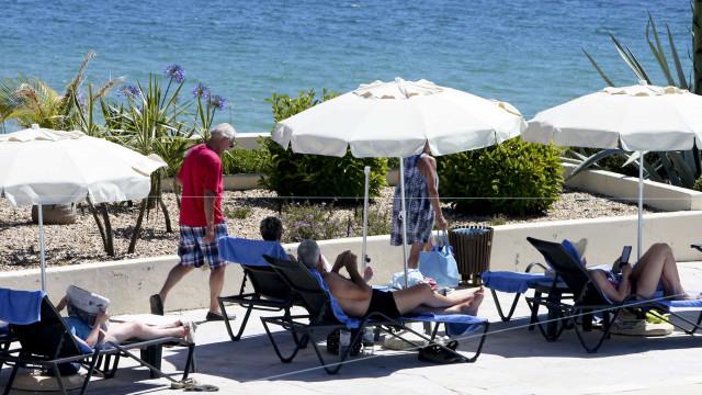 Ocupação dos hotéis mantém-se em 78% e preços sobem 2% em maio