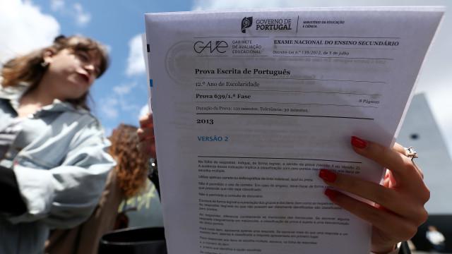 Aberto processo disciplinar por fuga de informação no exame de Português